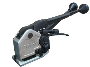Инструмент для упаковки стальной лентой – значительное упрощение процесса