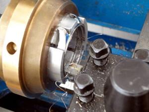На фото - применение расточного инструмента, german242.com