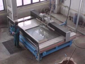 Фото оборудования для гидроабразивной резки, stek-group.com