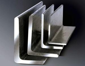 На фото - стальные уголки разных размеров, avito.ru