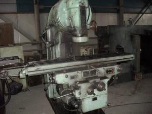 Фото расположения элементов фрезерной установки 6М13П, prostanki.com