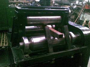 На фото - производство холоднодеформированной стальной прямоугольной трубы, o-trubah.ru
