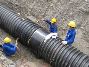 Фото трубопровода из гофрированных изделий, kanalizaciyainfo.ru