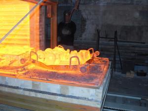 На фото - термическая обработка металла, prometey.nnov.ru