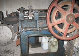 На фото - изготовление гвоздей, slonim.avizinfo.by