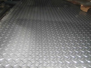 Производство стального рифленого листа 5 мм