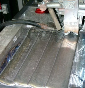 Использование электродной ленты для выполнения наплавки под флюсом фото