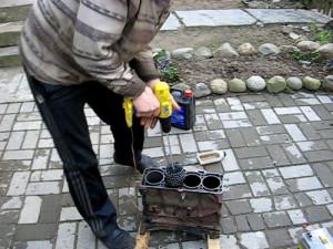 На фото - ершик-хон для хонингования цилиндров, fiat-club.org.ua