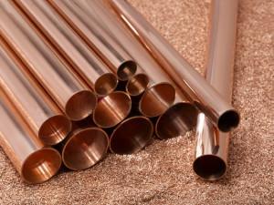 На фото - медные трубы для отопления, otoplenie-doma.org
