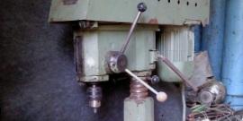2М112 – простой в конструкции настольный сверлильный станок