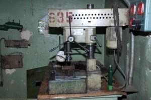На фото - оборудование сверлильного станка 2М112, sawwood.ru