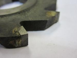 На фото - фреза дисковая трехсторонняя с впаянными пластинами, petrofort.com