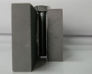 Кратко о популярном инструменте для накатывания резьбы