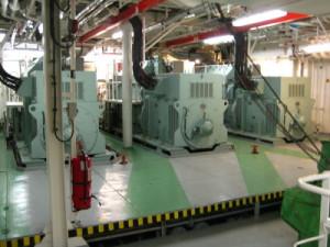 На фото - технические системы на корабле, murmolka.com