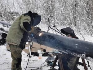 На фото - сварка инвертором Ресанта САИ 250ПРОФ, svarka35.ru