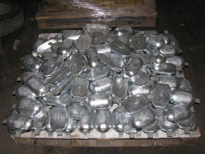На фото - материалы для протекторной защиты трубопроводов, tehsovet.ru