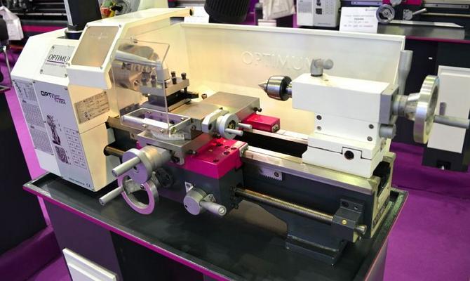 Настольное токарное оборудование с ЧПУ фото