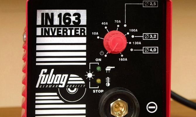 На фото - регулятор сварочного тока инвертора Fubag IN 163