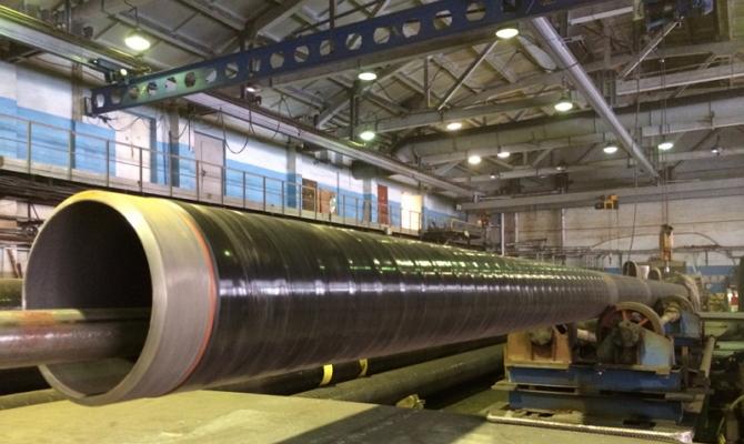Какие основные достоинства имеет стальная труба с покрытием ВУС?