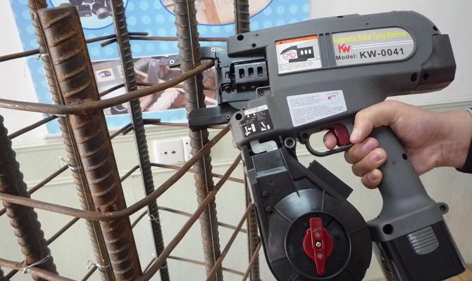 Автоматический пистолет для вязания арматуры