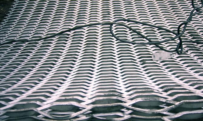 Просечно-вытяжные стальные листы