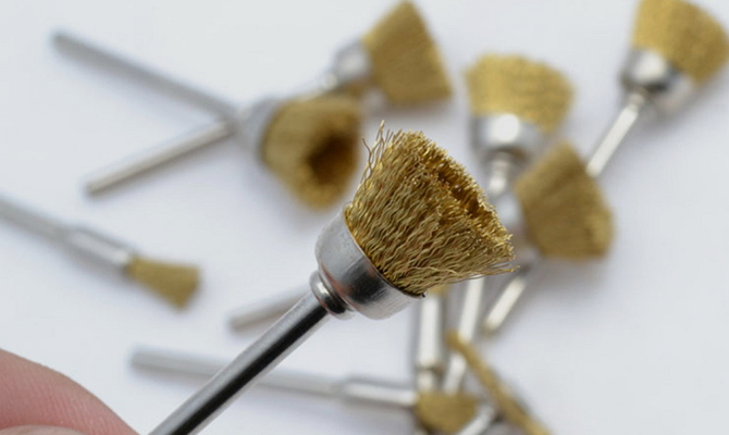 Латунный инструмент для работы с изделиями из драгметаллов