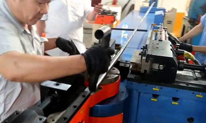 Полуавтоматический трубогиб с ЧПУ
