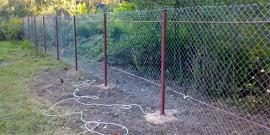 Как натянуть забор из сетки рабицы