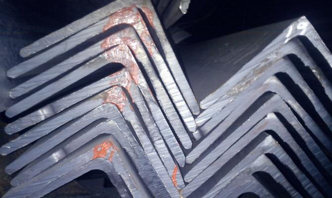 Тяжелый угловой металлопрокат