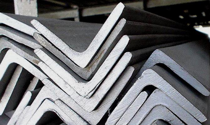 Чем отличаются стальные уголки разной толщины