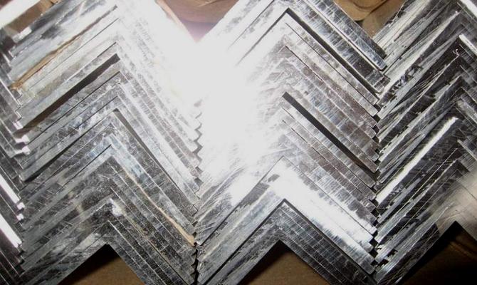 Вес и отличия алюминиевых равнополочных изделий 50x50