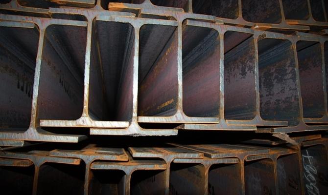 Различия между сварным и горячекатаным двутавровым швеллером