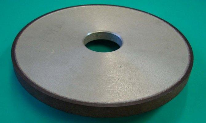 Виды абразивного материала – эльбор, алмаз, электрокорунд, карбид кремния
