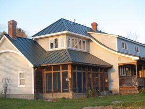 Алюминиевая крыша: новая тенденция коттеджного строительства