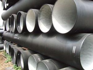 На фото - чугунные трубы для водопровода, o-trubah.ru