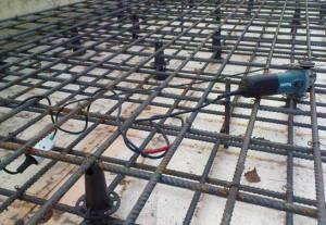 Зачем нужна связка арматуры для фундамента?