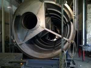 На фото - изготовление дымовой трубы для котельной, teplotermo.su