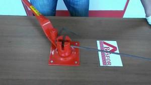 Фото ручного станка для гибки арматуры, youtube.com