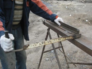 На фото - самодельный станок для гибки арматуры, builderclub.com