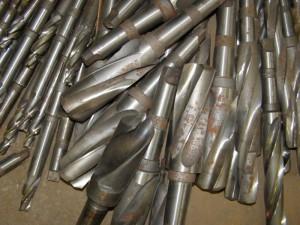 На фото - инструмент из быстрорежущей стали, kulibinsclub.ru