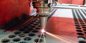 Преимущества и недостатки резки металла лазером