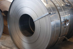 Полоса из нержавеющей стали – свойства, определяемые металлом изготовления