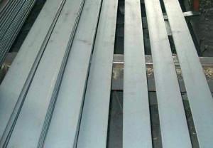 Полоса из нержавеющей стали – свойства, определяемые металлом изготовления фото