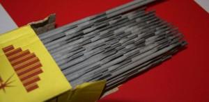 На фото - стальные сварочные электроды по чугуну, spetselectrode.ru