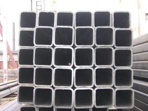 На фото - квадратный трубный металлопрокат, steelcity.ru