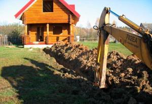 Фото выкапывания траншеи для канализации, dom.germanovich.com