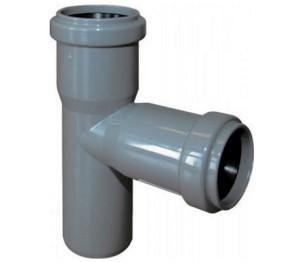 Врезка в канализационную трубу с помощью тройника фото