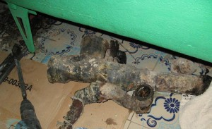 Фото старых чугунных канализационных труб, kreadom.ru