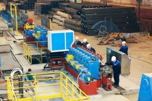 Фото промышленной линии для производства профильных труб, ec-marketing.ru
