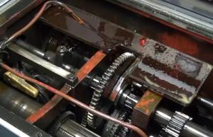 На фото - система смазки токарного станка 1Е61М, youtube.com